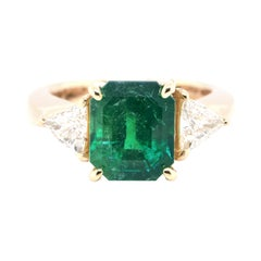 4.80 Carat, Natural Colombian Emerald and Diamond Ring Set in 18k Gold