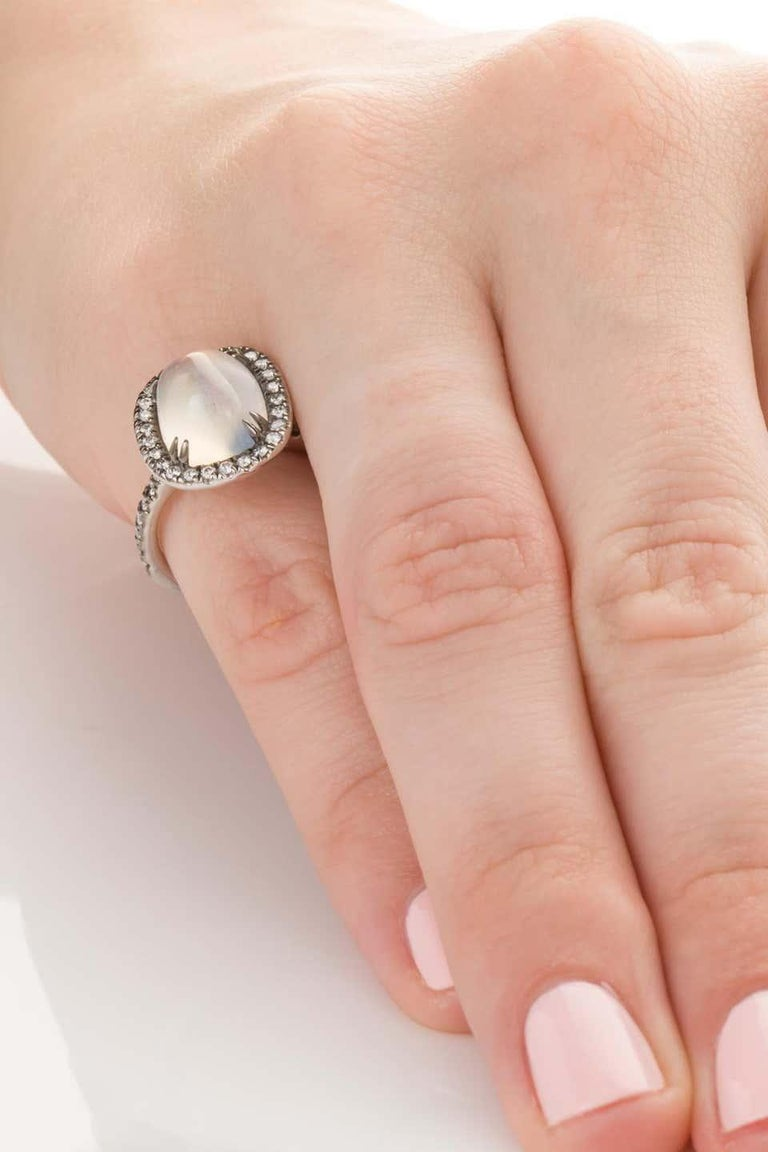 4.80 Carat Rainbow Moonstone & Diamond 18 Karat White Gold Ring For Sale 5