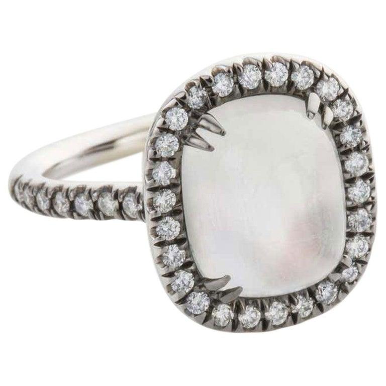 Contemporary 4.80 Carat Rainbow Moonstone & Diamond 18 Karat White Gold Ring For Sale