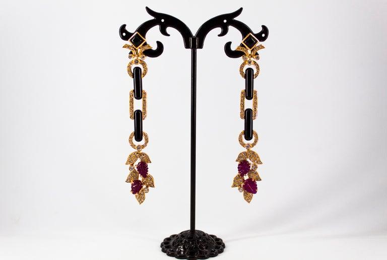 Renaissance 4.80 Carat Ruby 1.76 Carat White Diamond Onyx Yellow Gold Clip-On Drop Earrings For Sale