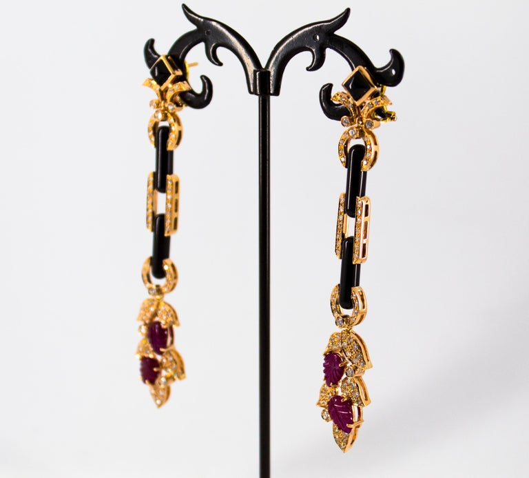 4.80 Carat Ruby 1.76 Carat White Diamond Onyx Yellow Gold Clip-On Drop Earrings For Sale 3