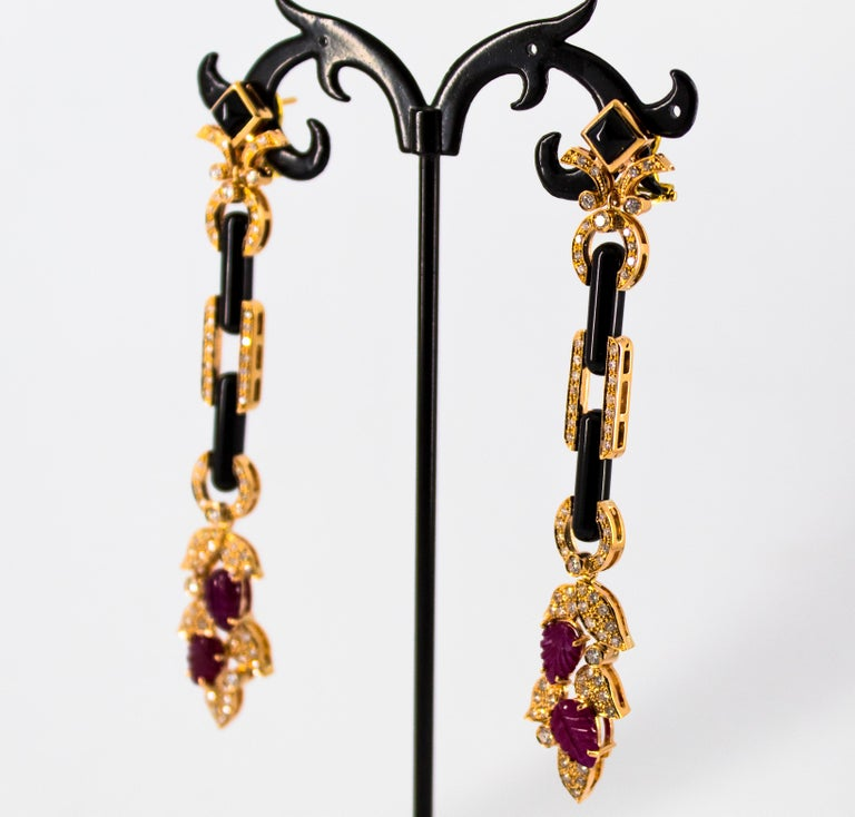 4.80 Carat Ruby 1.76 Carat White Diamond Onyx Yellow Gold Clip-On Drop Earrings For Sale 4