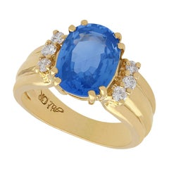 4.80 Carat Sapphire and Diamond Yellow Gold Cocktail Ring
