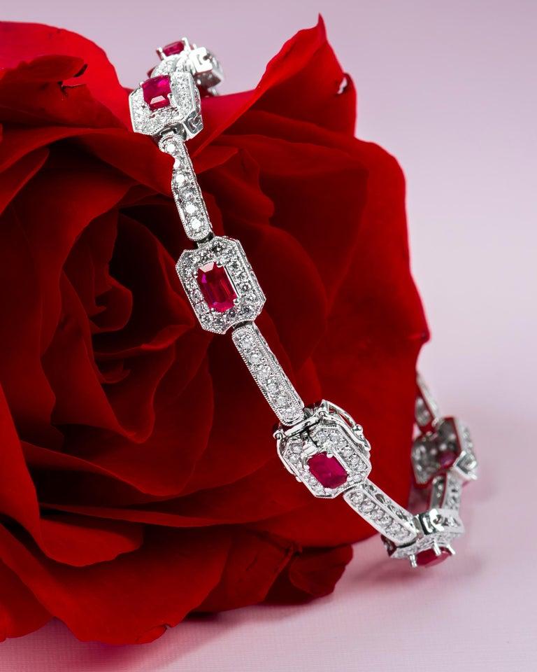 Women's 4.82 Carat Total Weight Emerald Cut Rubies Bracelet with 2.21 Carat Diamonds For Sale