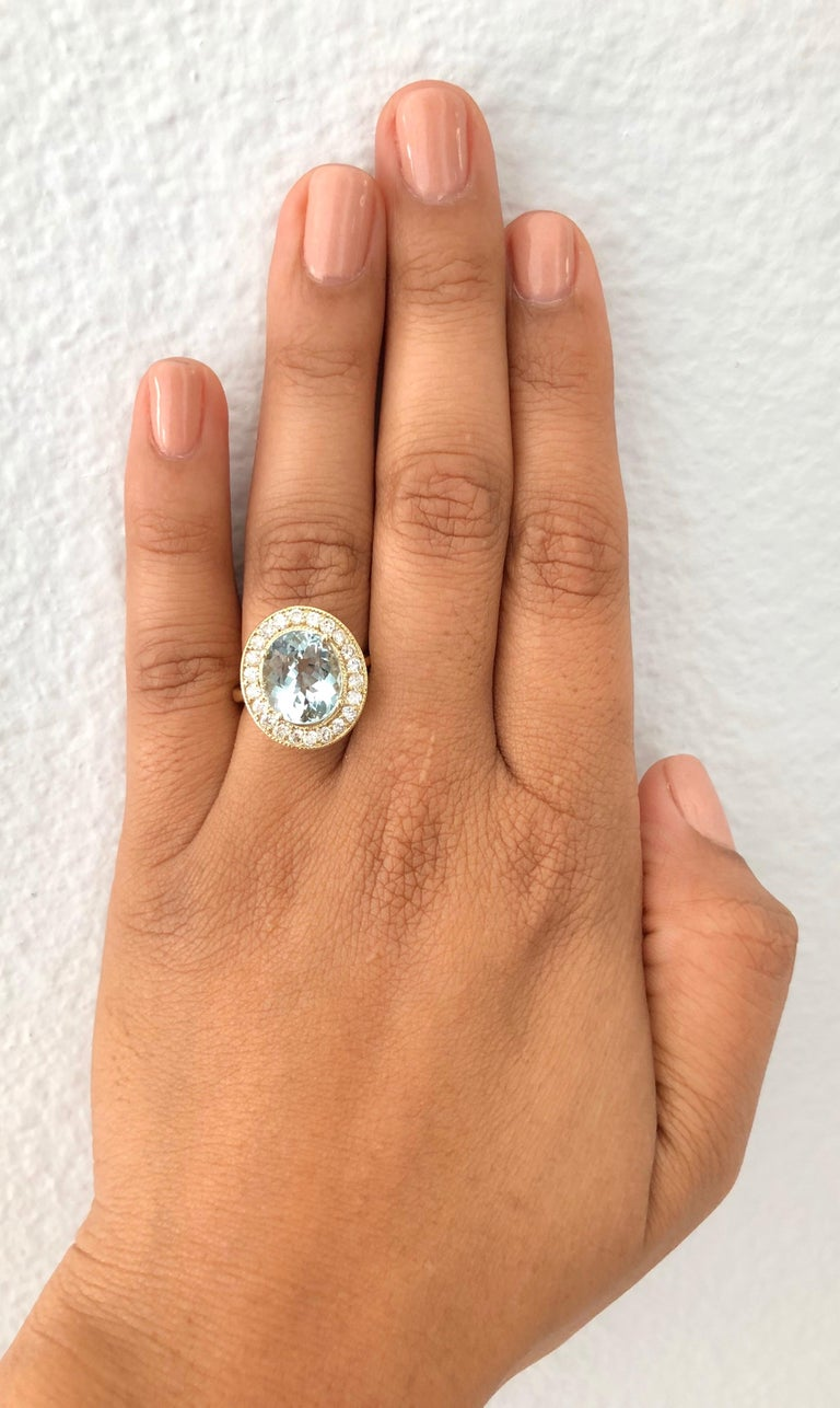 4.84 Carat Aquamarine Diamond 18 Karat Yellow Gold Ring In New Condition For Sale In Los Angeles, CA