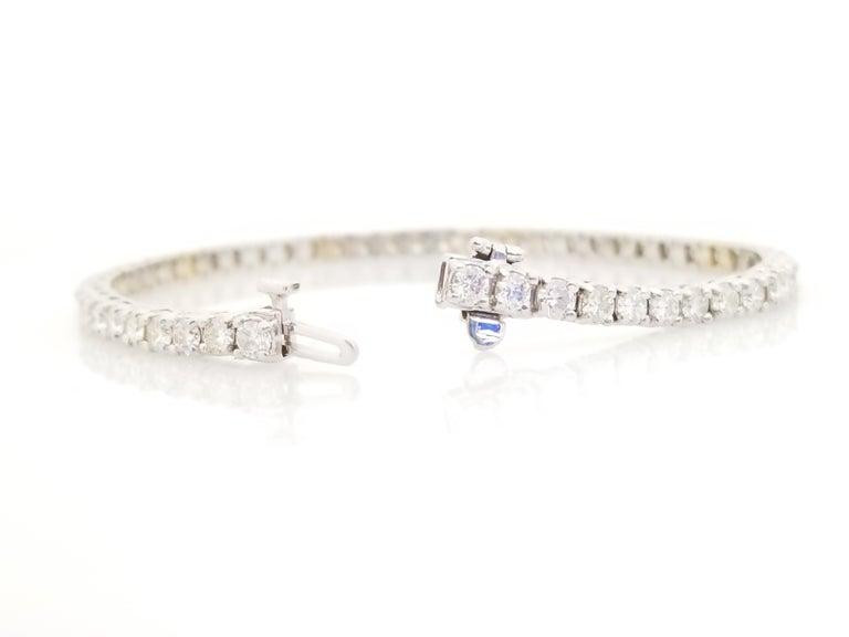 Round Cut 4.85 Carat Round Brilliant Cut Diamond Tennis Bracelet 14 Karat White Gold For Sale