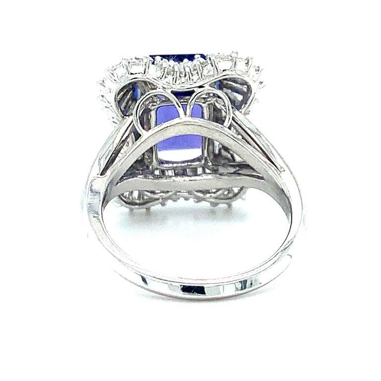 Women's 4.89 Carat Emerald Cut Tanzanite, Diamond Baguette Cocktail Platinum Ring For Sale