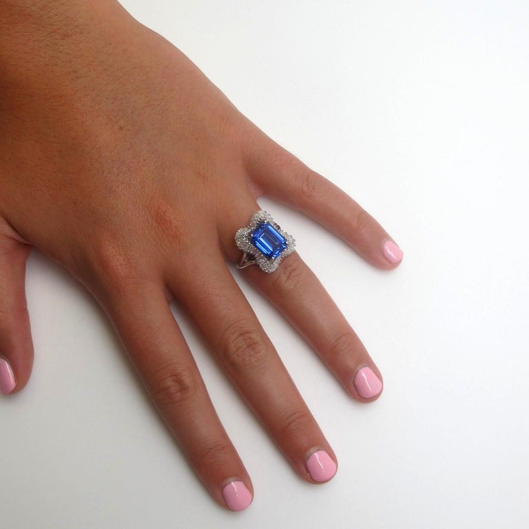4.89 Carat Emerald Cut Tanzanite, Diamond Baguette Cocktail Platinum Ring For Sale 1