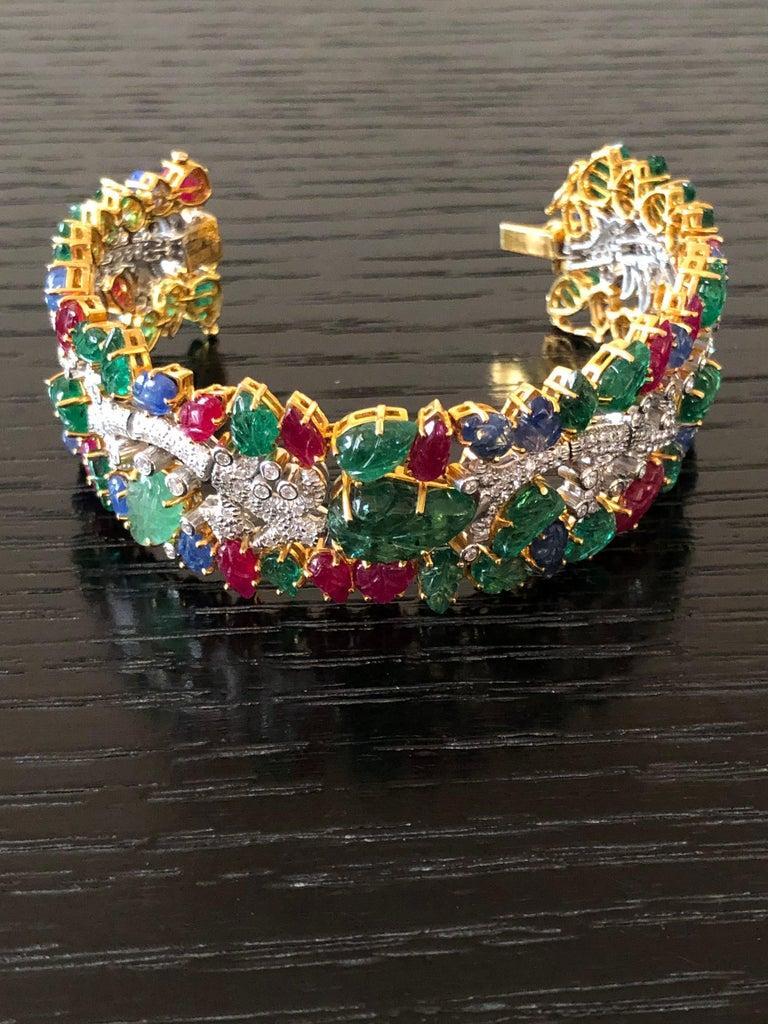 Women's 49.46 Carat Emerald Ruby Sapphire Diamond 18 Karat Yellow Gold Cuff Bracelet For Sale