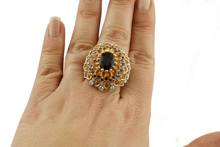 4ct Central Blue Sapphire, Blue and Yellow Sapphires, Diamonds, Rose Gold Ring For Sale 3