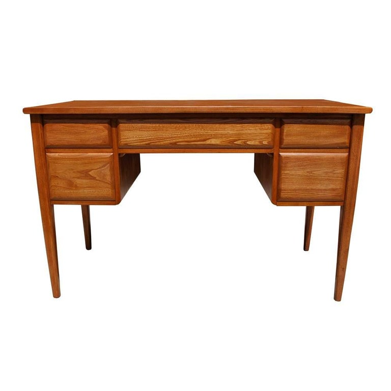 Mid-Century Modern Vintage Midcentury Desk by Widdicomb For Sale
