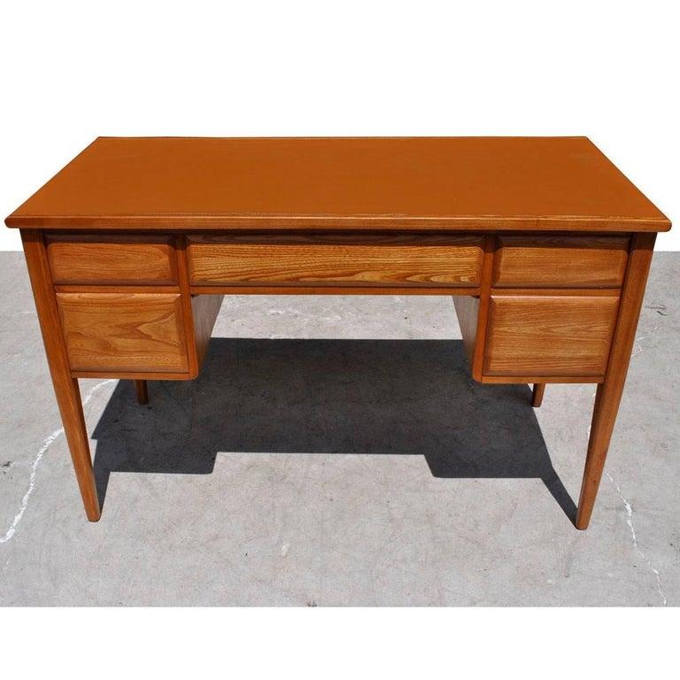 American Vintage Midcentury Desk by Widdicomb For Sale