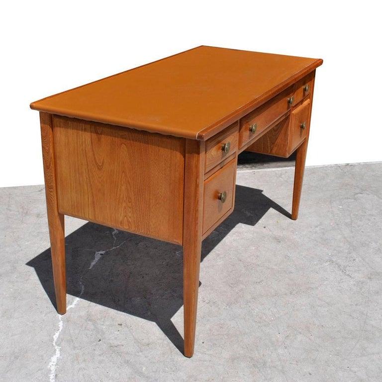 Vintage Midcentury Desk by Widdicomb In Good Condition For Sale In Pasadena, TX