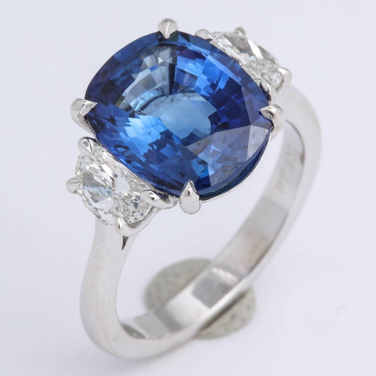 5 Carat Cushion Cut Blue Sapphire and Diamond Ring For Sale 1