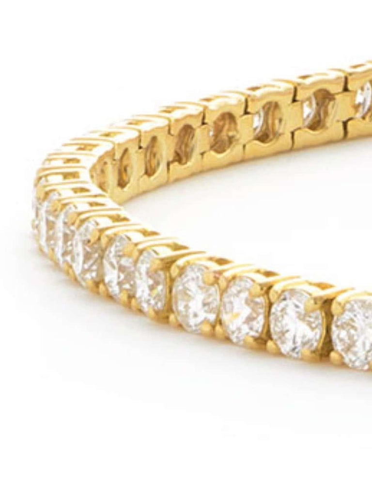 A classic piece that stands the test of time, enjoy the ultimate in luxury and beauty with this gorgeous diamond tennis bracelet, featuring 5.00 Carat of dazzling White Color G Clarity SI1 Round Brilliant Cut diamonds beautifully held in a classic 4