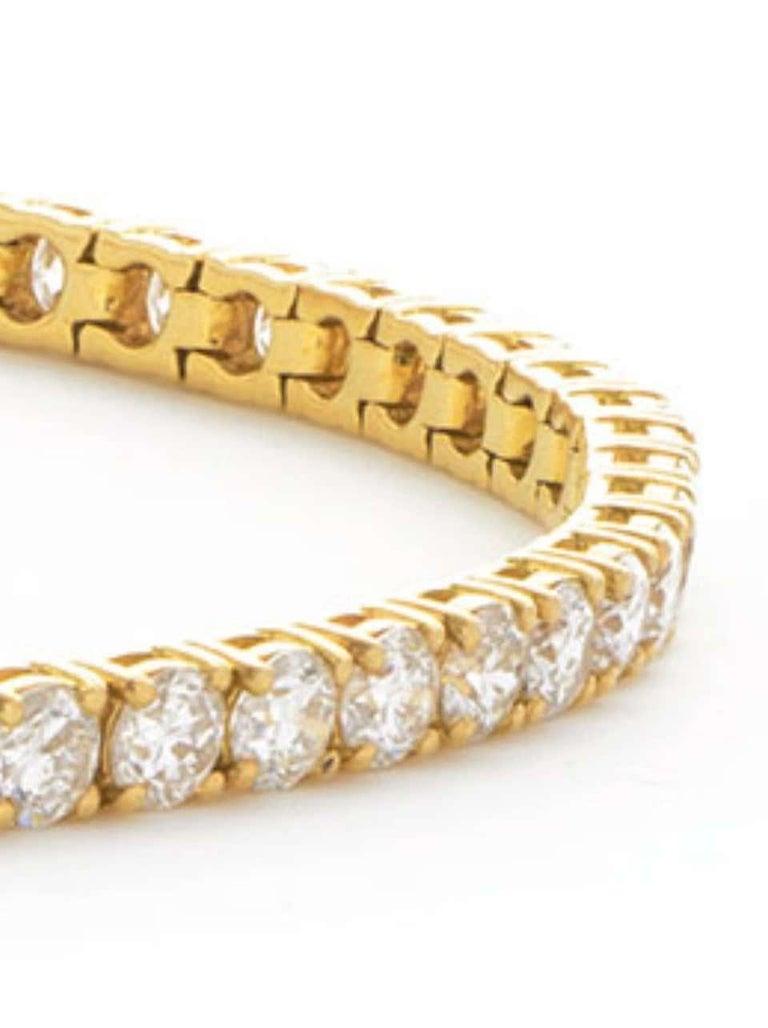 Round Cut 5 Carat Four Prong Round Diamond 18 Karat Gold Riviera Line Tennis Bracelet For Sale