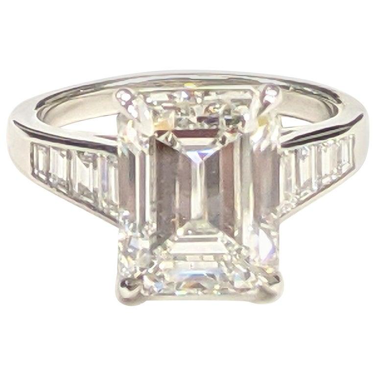 5 Carat H VVS2 Emerald Cut Diamond Ring in Platinum, GIA For Sale
