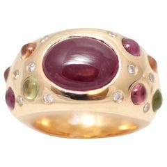 5 Carat Ruby, Diamonds Sapphires Pavé 18 Carats Yellow Gold Bombe Ring