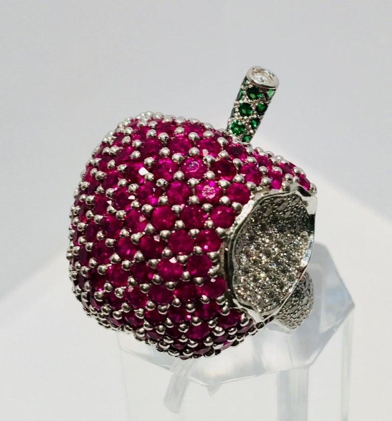 5 Carats Ruby Diamond 18 Karat Gold New York, New York Big Apple Cocktail Ring For Sale 9