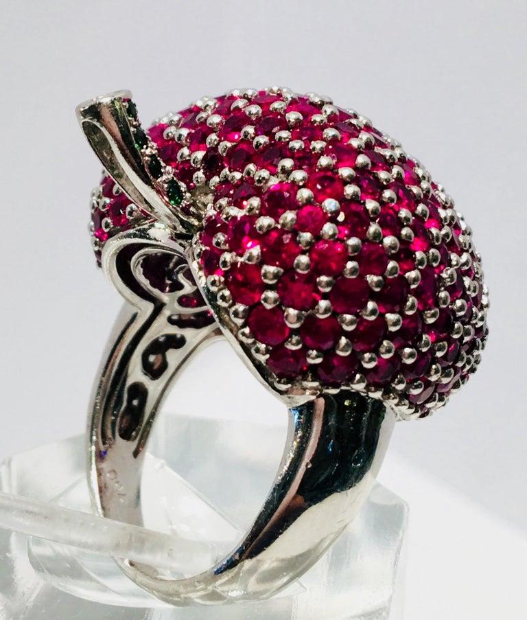 5 Carats Ruby Diamond 18 Karat Gold New York, New York Big Apple Cocktail Ring For Sale 5