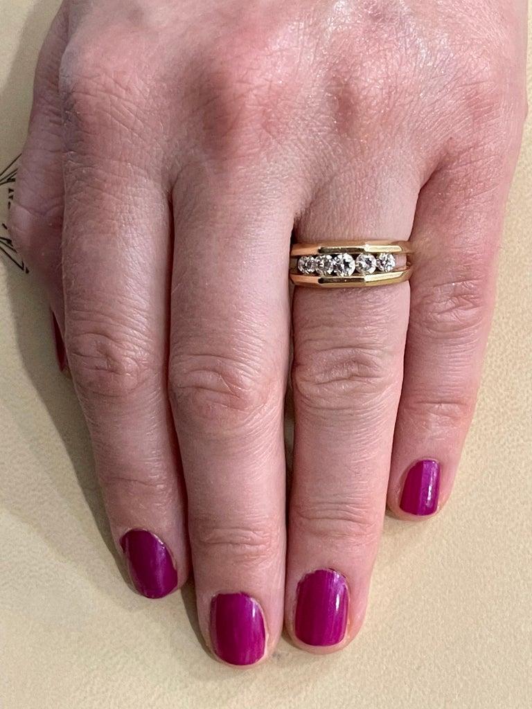 5 Diamonds, 1 Carat Unisex 1-Row Diamond Band Ring in 14 Karat Yellow Gold For Sale 6