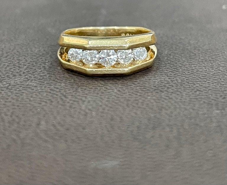Women's or Men's 5 Diamonds, 1 Carat Unisex 1-Row Diamond Band Ring in 14 Karat Yellow Gold For Sale