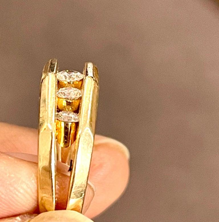 5 Diamonds, 1 Carat Unisex 1-Row Diamond Band Ring in 14 Karat Yellow Gold For Sale 4