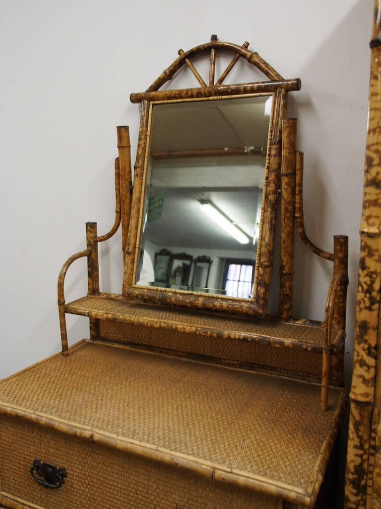 Five-Piece Bamboo and Rattan Bedroom Suite, circa 1890 For Sale 11