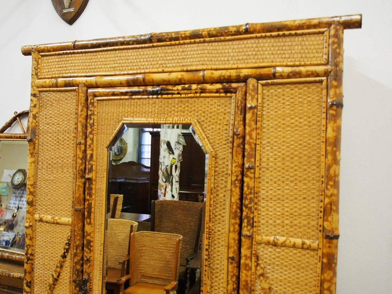 Late 19th Century Five-Piece Bamboo and Rattan Bedroom Suite, circa 1890 For Sale