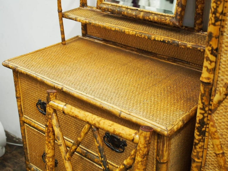 Five-Piece Bamboo and Rattan Bedroom Suite, circa 1890 For Sale 1
