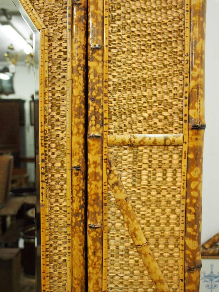 Five-Piece Bamboo and Rattan Bedroom Suite, circa 1890 For Sale 3