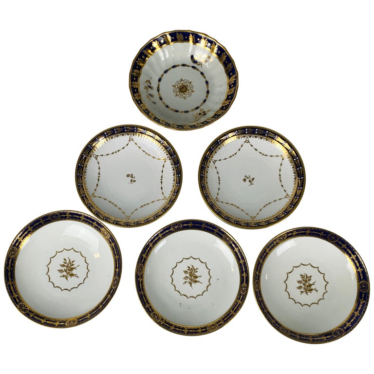 5 Porcelain Saucers with Cobalt Blue Borders Made England 19th & 20th Centuries For Sale