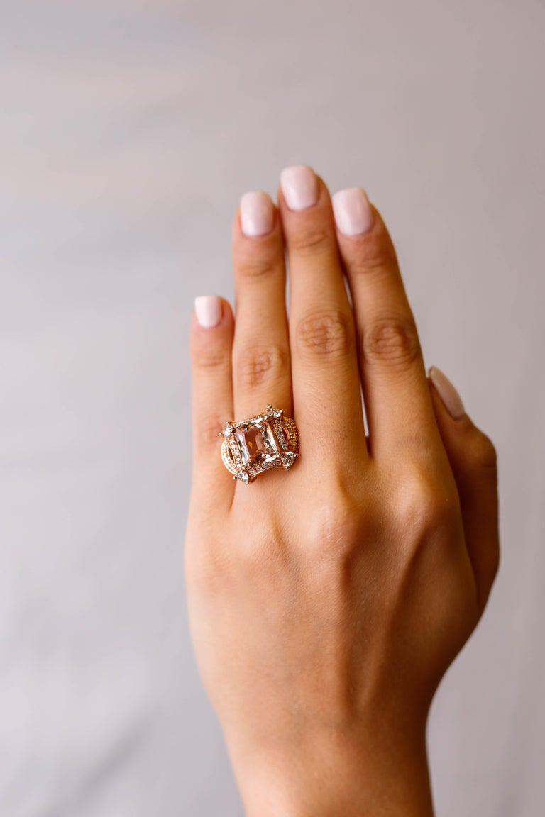 5 tcw Princess Cut Morganite and Diamond Ring in 14k Rose Gold Cocktail Ring In New Condition For Sale In New York, NY