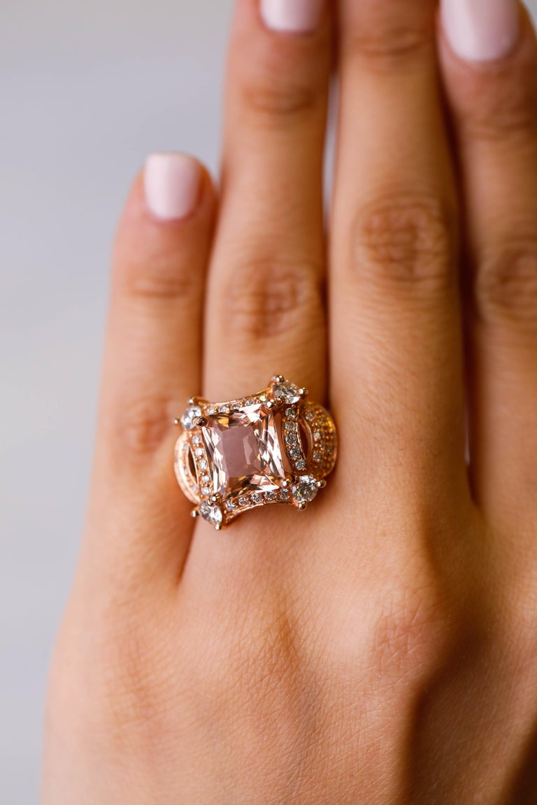 Women's 5 tcw Princess Cut Morganite and Diamond Ring in 14k Rose Gold Cocktail Ring For Sale