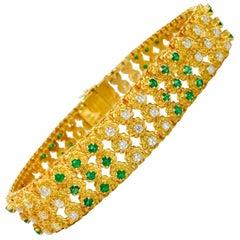 5.00 Carat Diamond and Emerald Bracelet in Yellow Gold