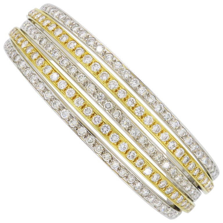 5.00 Carat Diamond Bangle Bracelet For Sale