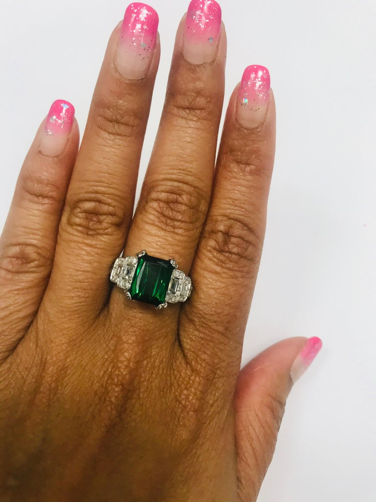 5.01 Carat Green Tourmaline and Diamond Ring 14 Karat White Gold In New Condition For Sale In San Dimas, CA