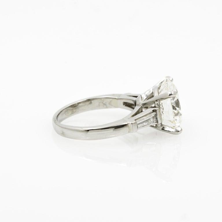 5.03 Carat GIA Round Cut Diamond Platinum Three-Stone Ring In New Condition In Dallas, TX