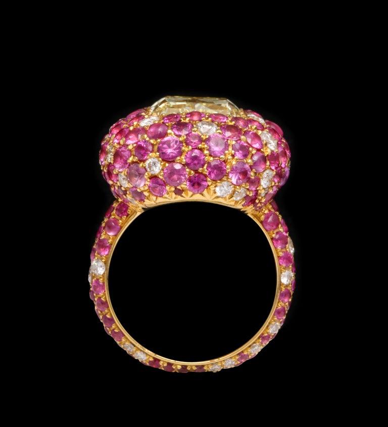 Women's or Men's 5.08 Carat Intense Yellow Diamond Ring For Sale