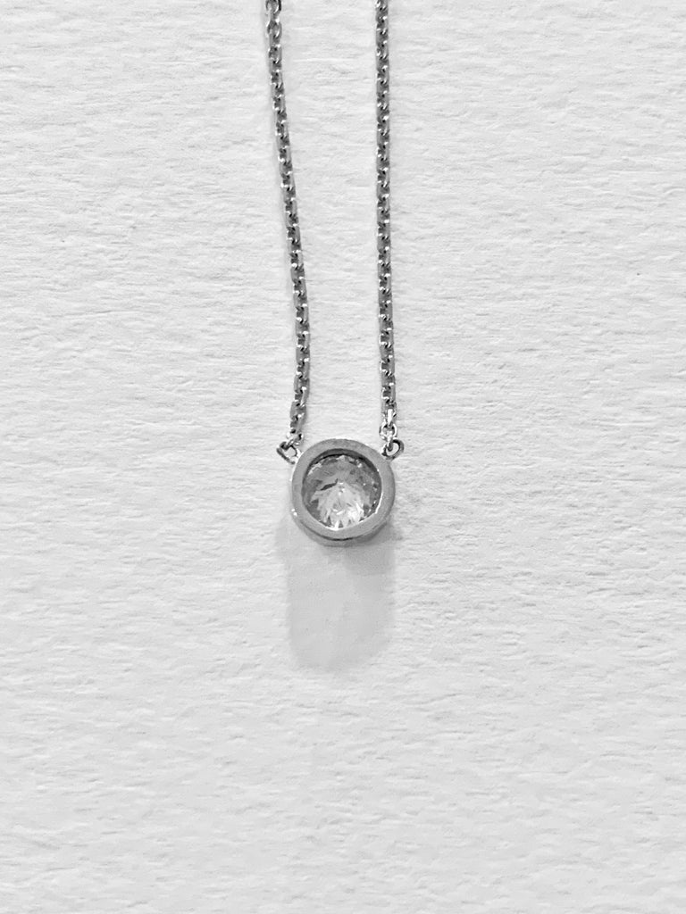 .50 Carat Brilliant Cut Diamond Bezel Set Necklace in 18 Carat White Gold In New Condition For Sale In Chislehurst, Kent