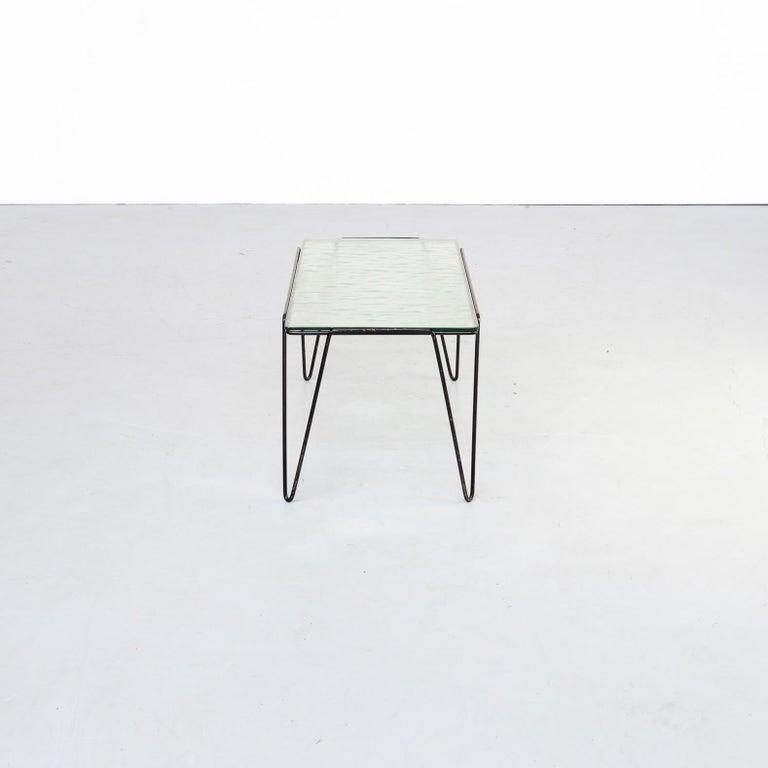 Coffee table designed by Arnold Bueno de Mesquita for Dutch Spurs Goed Wonen Meubelen in 1955. Original glass!