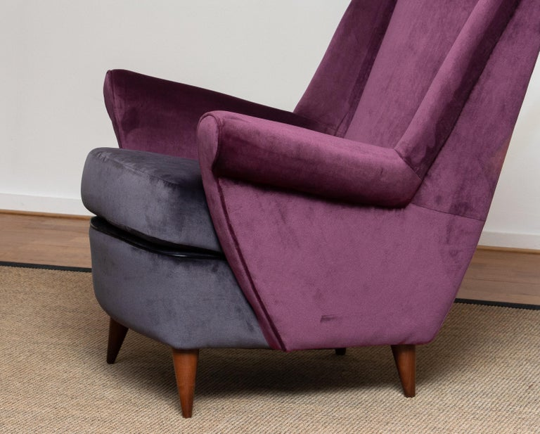 50's Lounge / Easy Chair in Magenta by Designed Gio Ponti for ISA Bergamo, Italy For Sale 3