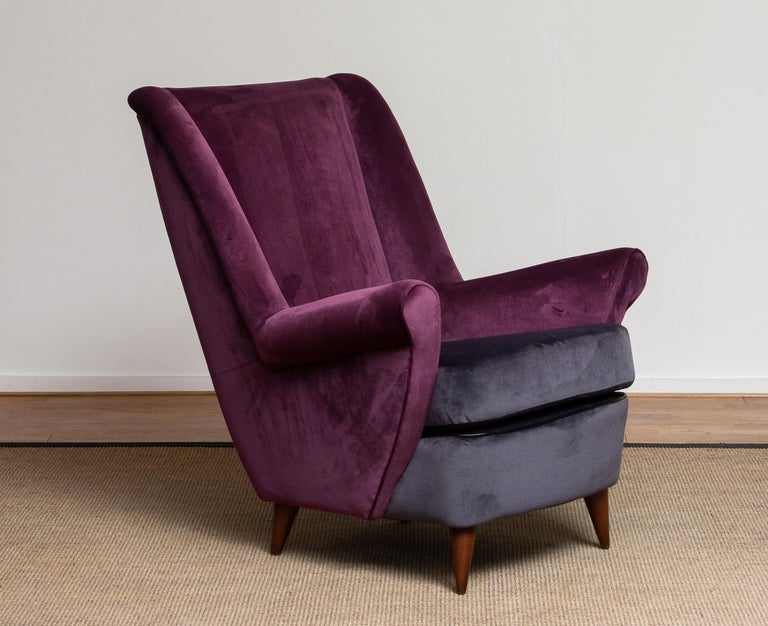 Mid-Century Modern 50's Lounge / Easy Chair in Magenta by Designed Gio Ponti for ISA Bergamo, Italy For Sale