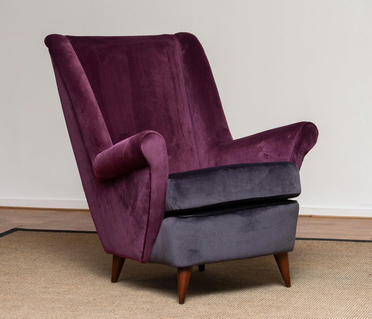 Italian 50's Lounge / Easy Chair in Magenta by Designed Gio Ponti for ISA Bergamo, Italy For Sale
