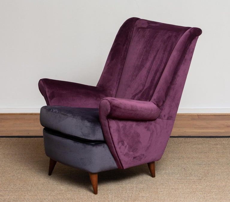50's Lounge / Easy Chair in Magenta by Designed Gio Ponti for ISA Bergamo, Italy For Sale 1