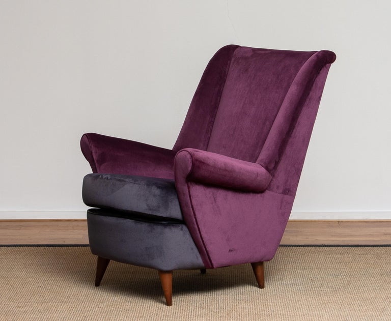 50's Lounge / Easy Chair in Magenta by Designed Gio Ponti for ISA Bergamo, Italy For Sale 2