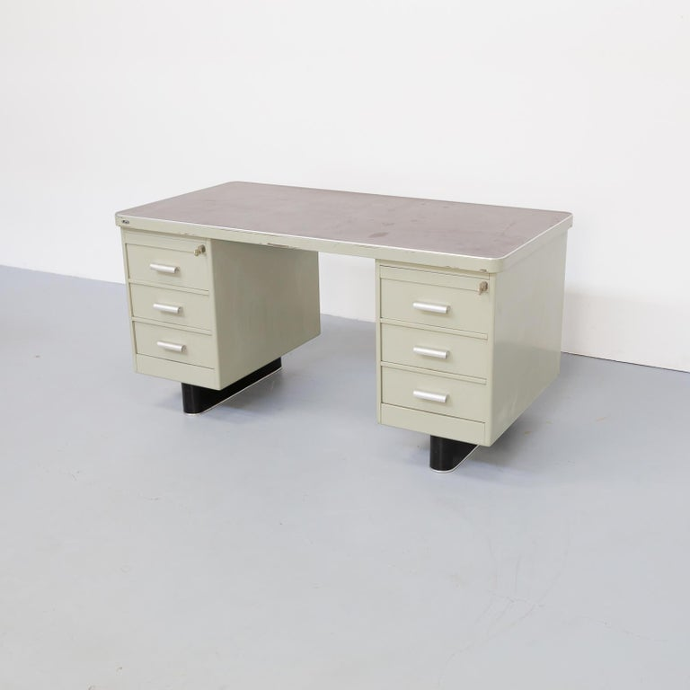 20th Century 1950s Metal Writing Desk with Chair for Lips For Sale