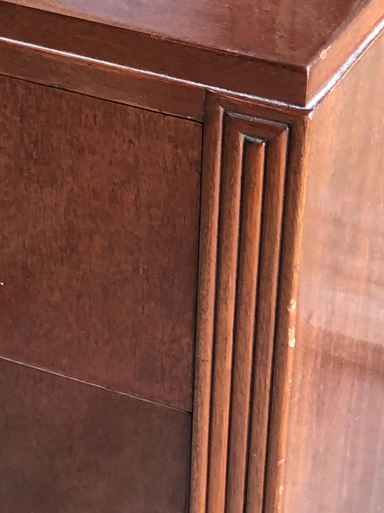 1950s Modern Chest of Drawers in Mahogany For Sale 4