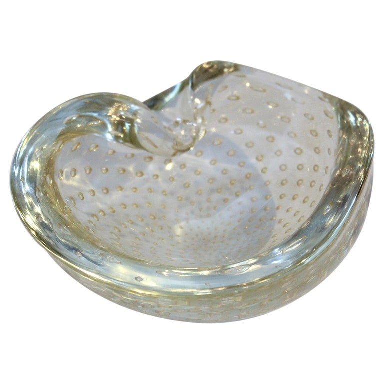 1950s Seguso Murano Glass Gold Dusted Kidney Shaped Bowl with Controlled Bubbles For Sale