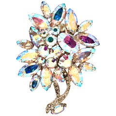 50'S Silver & Swarovski Crystal Abstract Flower Brooch By, Weiss